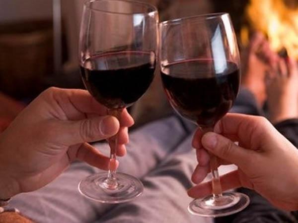 2 бокала вина